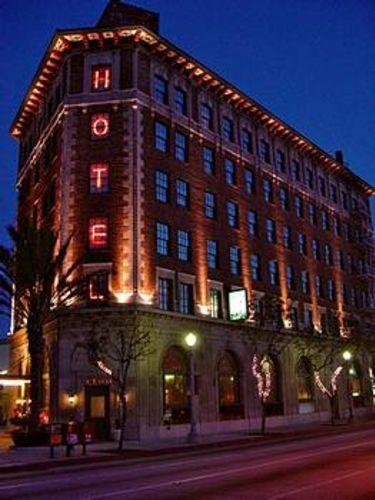 Exterior-Culver_Hotel-